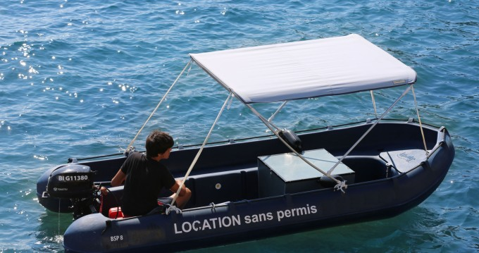 Rental Motorboat Sans Permis with a permit