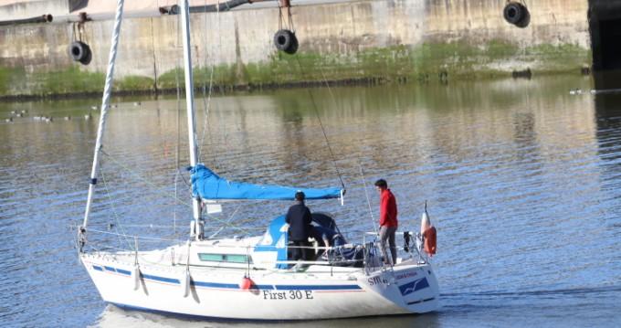 Boat rental Saint-Brieuc cheap First 30 Mauric