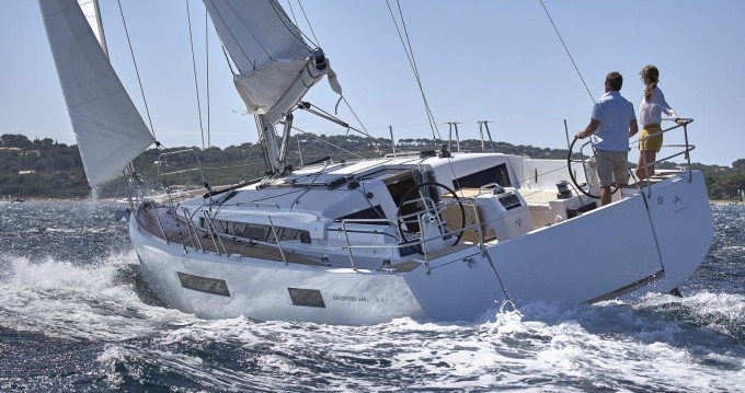 Rental yacht Port Grimaud - Jeanneau Sun Odyssey 440 on SamBoat