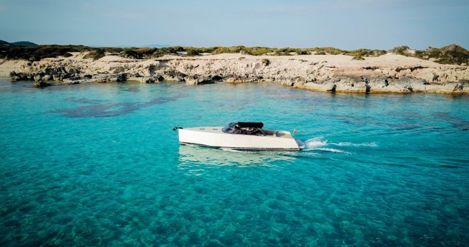 Hire Motorboat with or without skipper VanDutch Ibiza Island