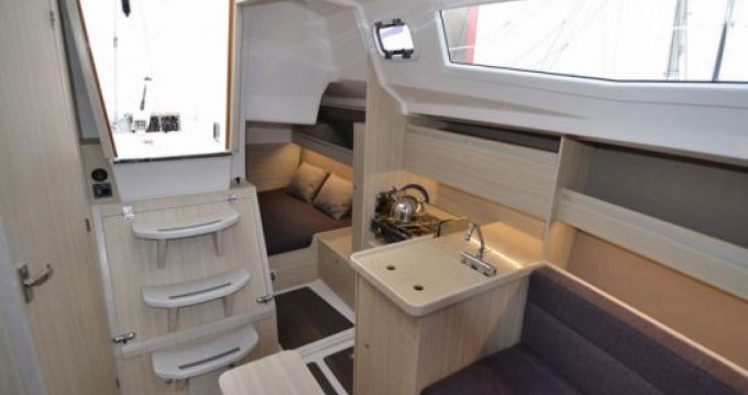 Rental yacht Port du Crouesty - Northman Maxus 26 on SamBoat