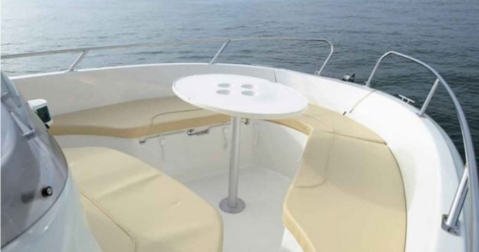Rental yacht Hyères - Jeanneau Cap Camarat 625 on SamBoat