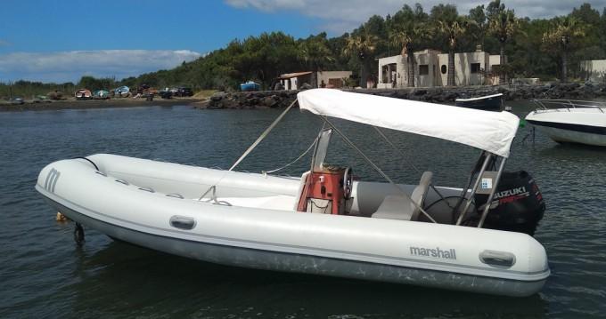 Rental yacht Vulcano Porto - Marshall M100 on SamBoat