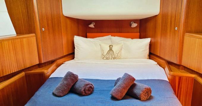 Boat rental Antigua cheap Najad 570 CC