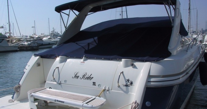 Rent a Cruisers 3875 express Porto-Vecchio