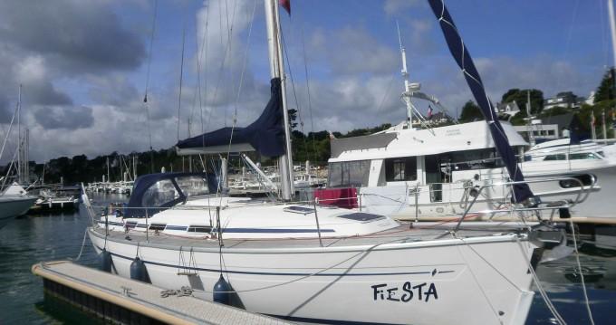 Rental Sailboat in Dieppe - Bavaria Bavaria 36