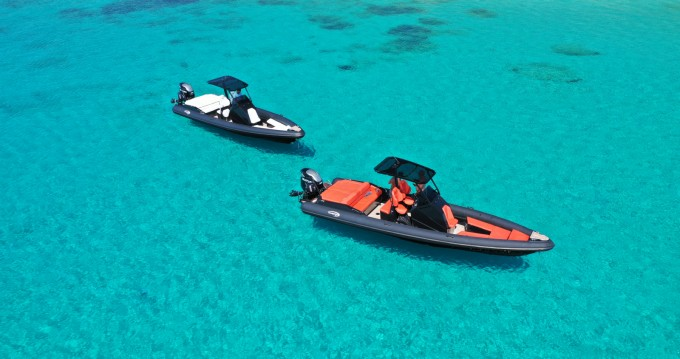 Rent a SEA FIGHTER Ultimeight 30ft Ornos