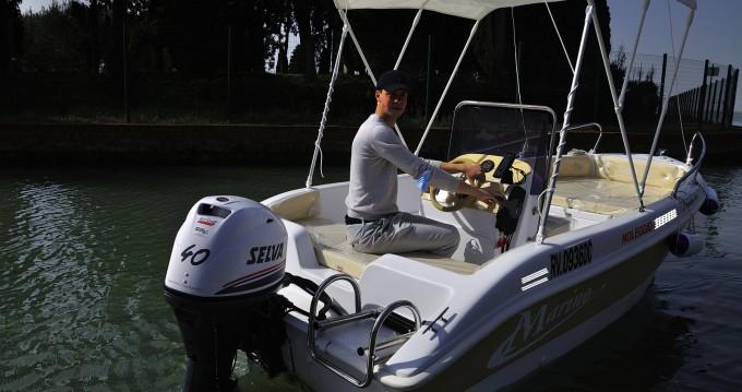 Boat rental Marino ATOM 450 in Quarto d'Altino on Samboat