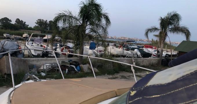 Boat rental Siracusa cheap Riviera 24