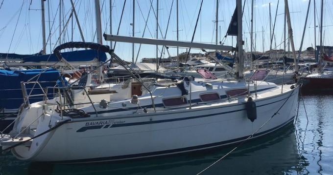 Boat rental Bavaria Bavaria 31 Cruiser in Capo d'Orlando on Samboat