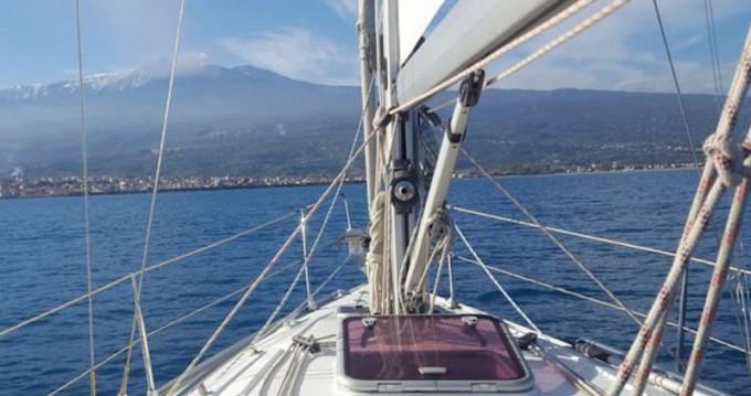 Rental Sailboat in Capo d'Orlando - Bavaria Bavaria 31 Cruiser