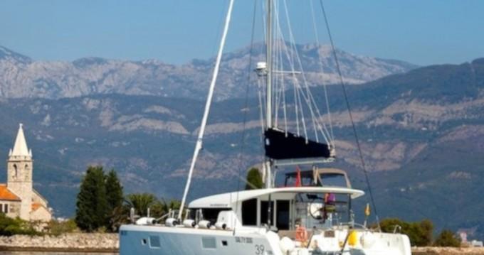 Catamaran for rent Préveza at the best price