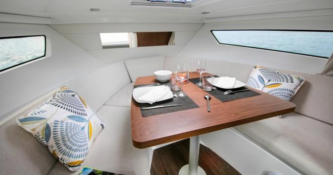 Rental Motorboat in Le Lavandou - Jeanneau Cap Camarat 9.0 WA