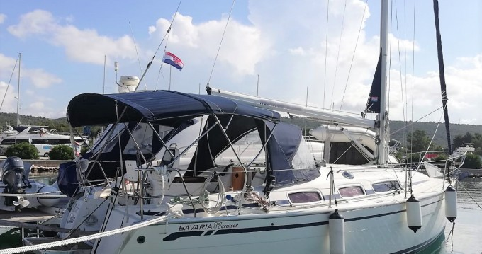 Boat rental Sukošan cheap Bavaria 31 Cruiser