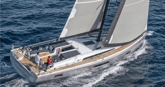 Bénéteau Oceanis 51.1 between personal and professional Lávrio