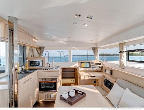 Rental Catamaran in Porto Anzio - Lagoon Lagoon 39