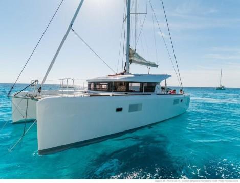 Hire Catamaran with or without skipper Lagoon Porto Anzio