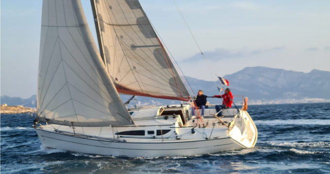 Jeanneau Sun Fast 32i between personal and professional Marseille