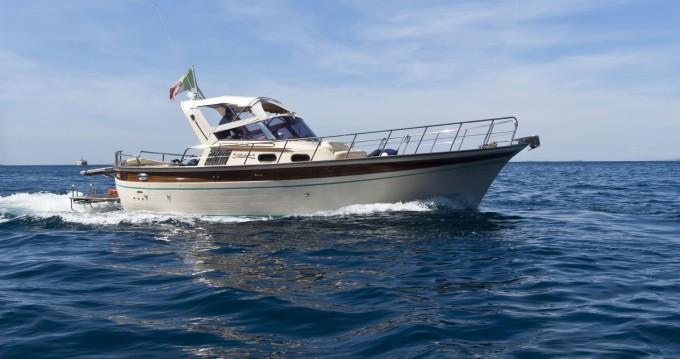 Boat rental Positano cheap Sorrento 32 Hard Top