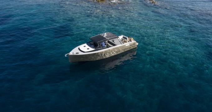 Hire Motorboat with or without skipper Colnago Hvar