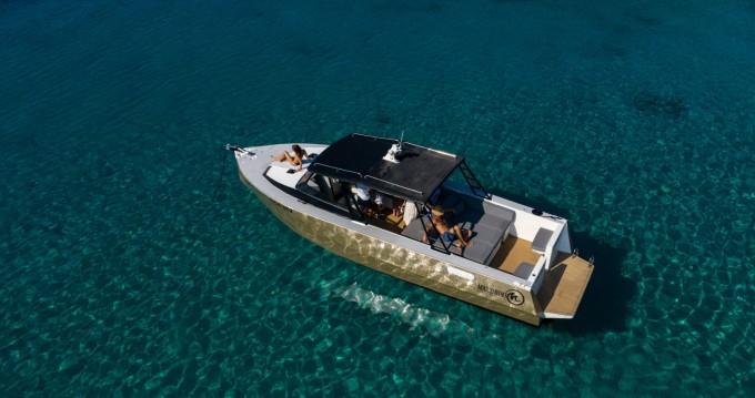Boat rental Hvar cheap Colnago 37