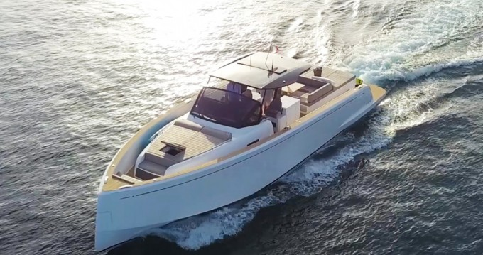 Rental Motorboat Pardo Yachts with a permit