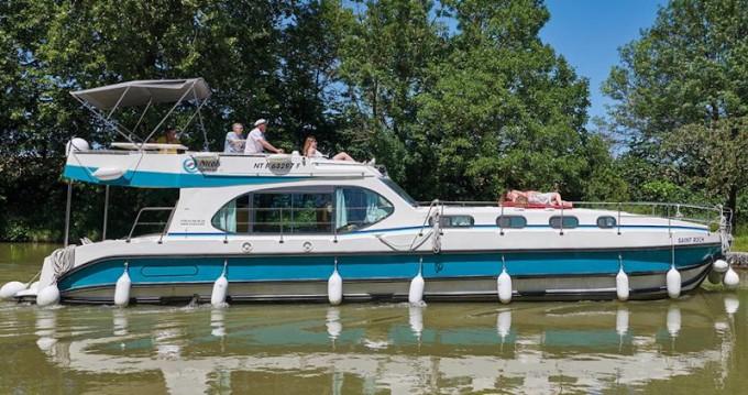 Boat rental  Sixto Fly C in Venarey-les-Laumes on Samboat