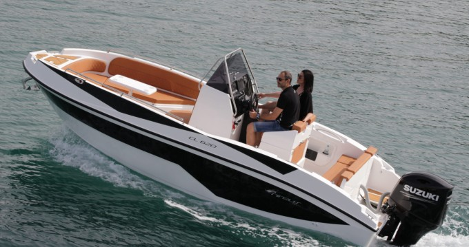 Boat rental Nireus NIREUS 620 in Puerto Deportivo de Marbella on Samboat