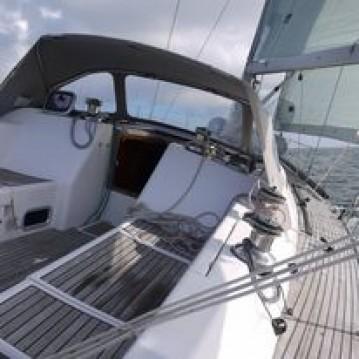 Hire Sailboat with or without skipper Wauquiez La Trinité-sur-Mer