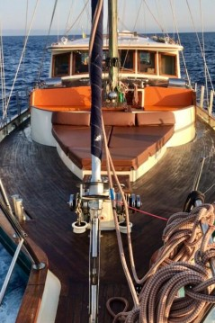Hire Yacht with or without skipper Ketch custom Mindelo
