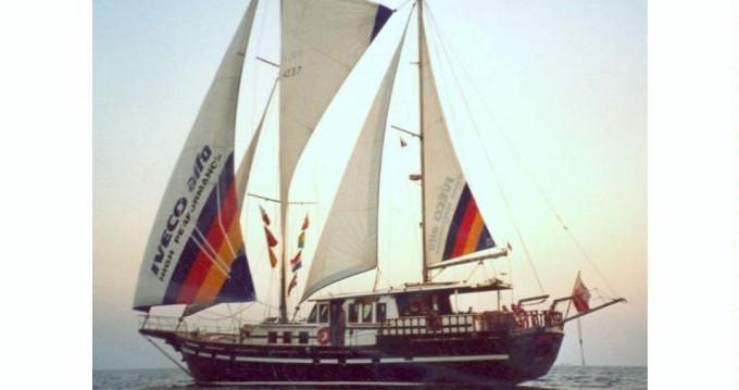 Rental Yacht in Mindelo - Ketch custom 50/50