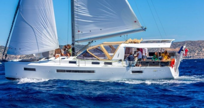 Jeanneau Sun Loft 47 between personal and professional Alimos