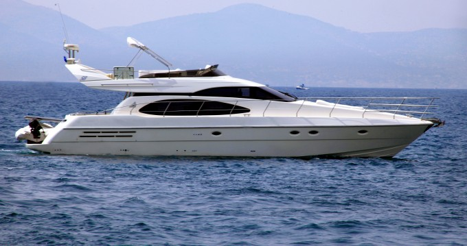 Rental yacht Alimos - Azimut Azimut 58 on SamBoat