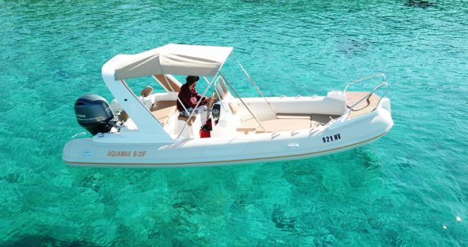 Boat rental Aquamax Aquamax 20 in Hvar on Samboat