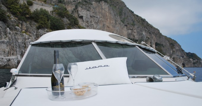Hire Motorboat with or without skipper Itama Positano