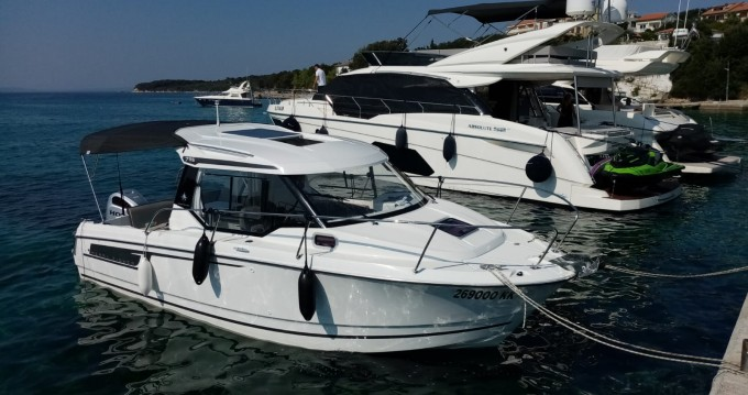 Jeanneau Merry Fisher 795 between personal and professional Krk