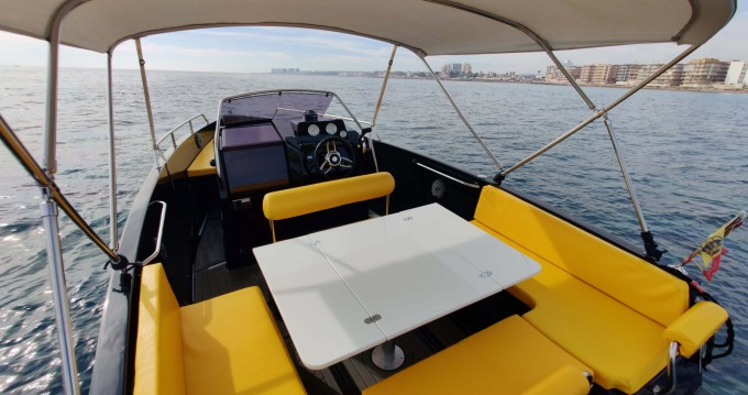 Motorboat for rent Torrevieja at the best price