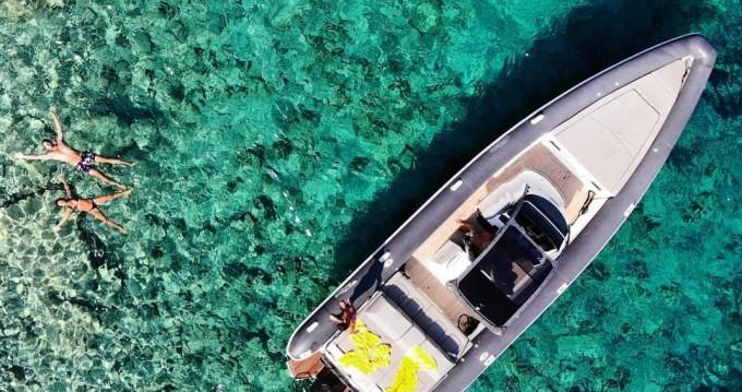 Scorpion Seafarer 36 between personal and professional Lefkada (Island)