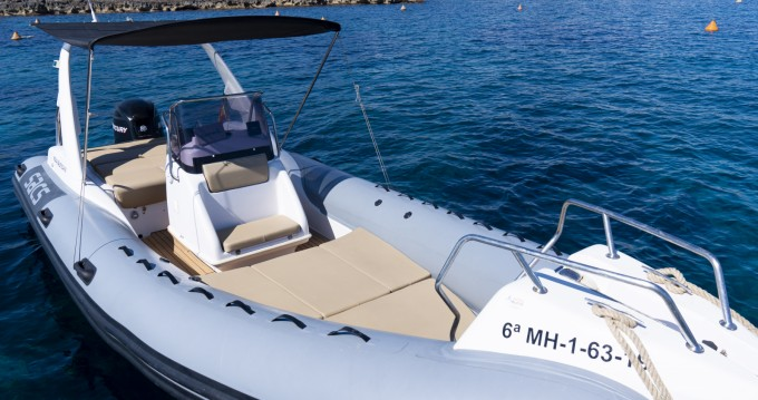 Hire RIB with or without skipper Sacs Mahon Port