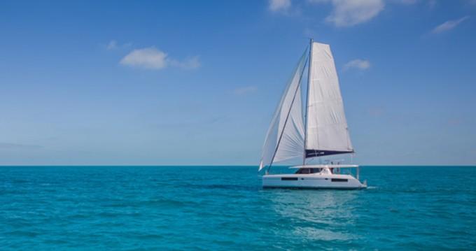 Boat rental Eden Island cheap Leopard 44