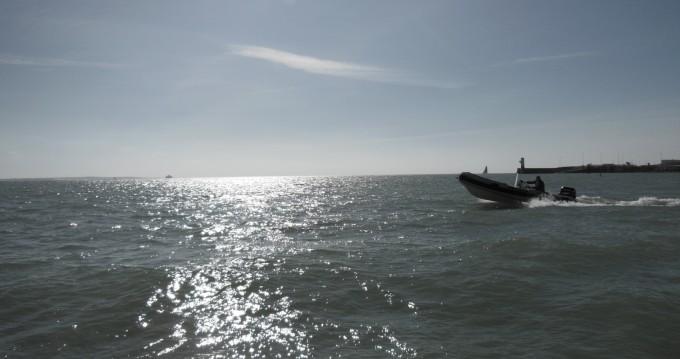 Boat rental cumi 530 in Royan on Samboat