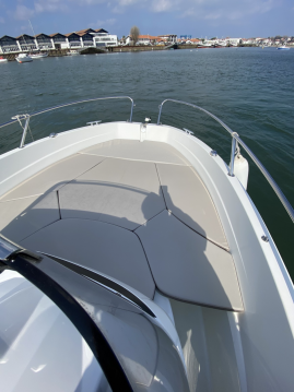 Hire Motorboat with or without skipper Jeanneau Hendaye