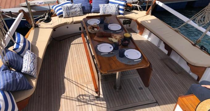 Boat rental Poseidon Bluewater 480 in Palma de Mallorca on Samboat
