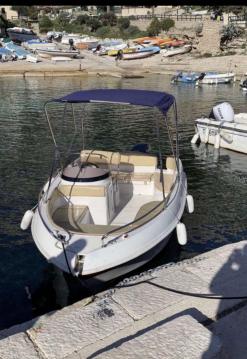 Rental Motorboat in Marseille - Marinello Eden 18