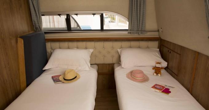 Boat rental Castelnaudary cheap Clipper
