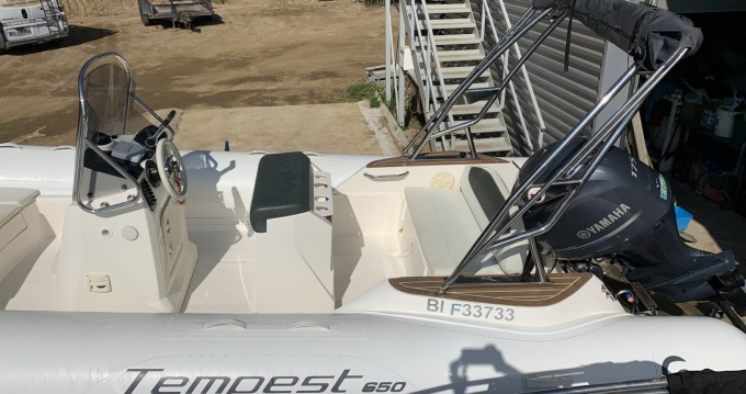 Boat rental Capelli Tempest 650 in Pietrosella on Samboat
