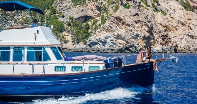 Rent a Myabca 45TR Port d'Andratx