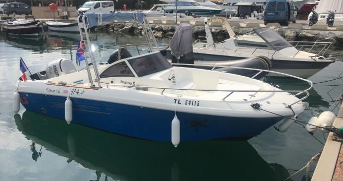 Rental Motorboat in Cogolin - Bénéteau Ombrine 630