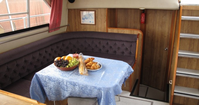 Hire Canal boat with or without skipper Calypso Jarnac