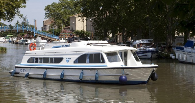 Rental Canal boat Calypso with a permit